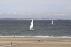 Segelboote am Strand von Breskens