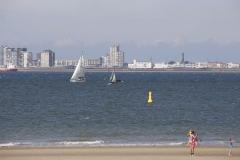 Blick über den Strand nach Vlissingen
