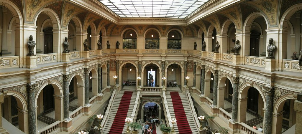 Foyer des Nationalmuseums in Prag