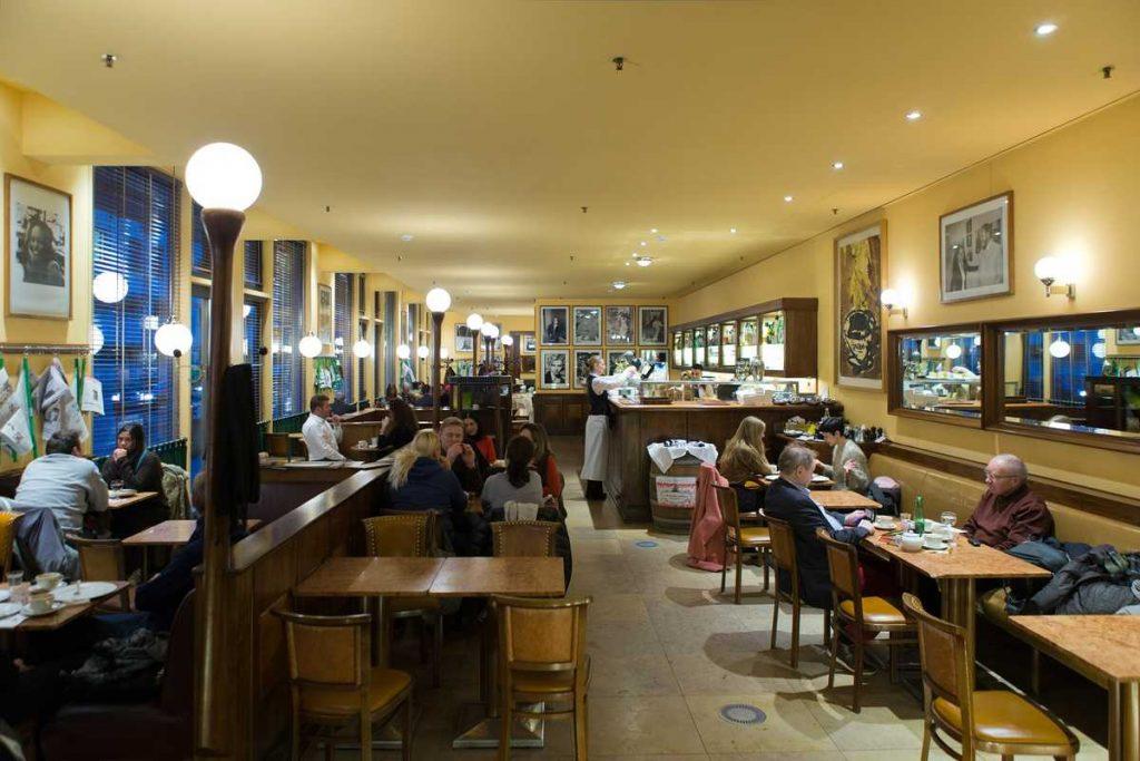 Das Cafe Einstein: Eine Berliner Institution