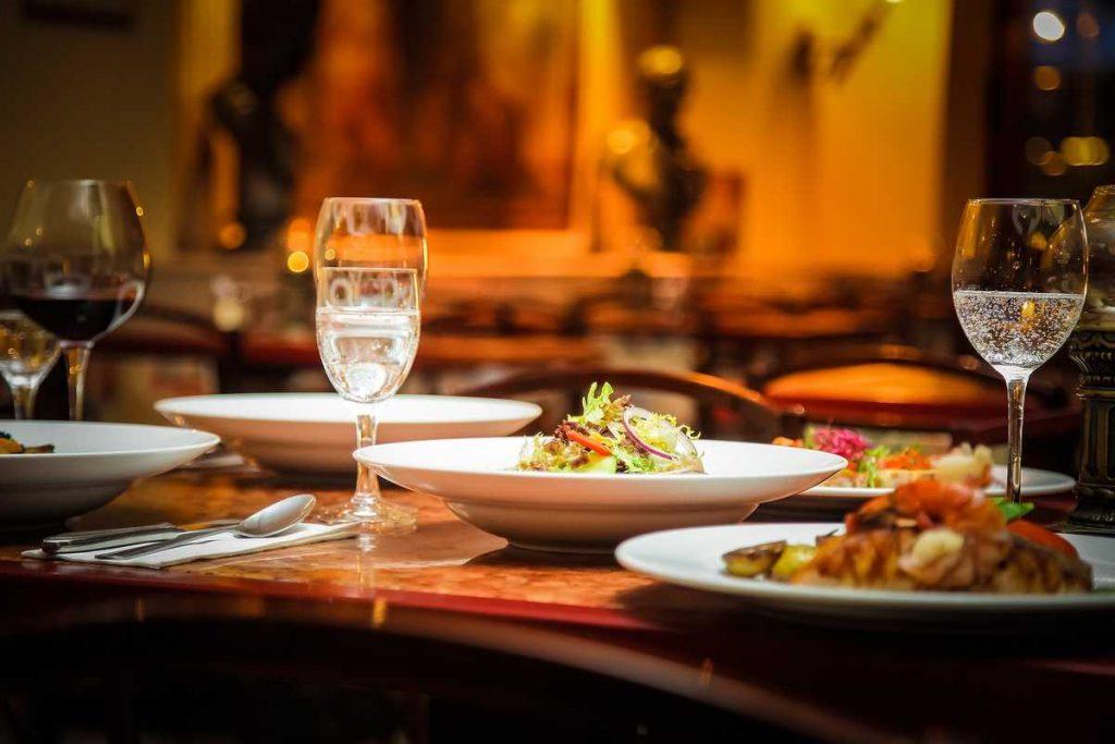 Cafe und Restaurant: Abendessen im Freischwimmer