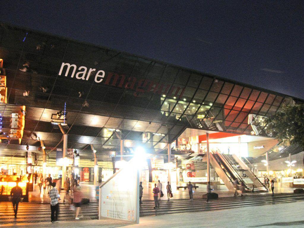 Shopping im Mare Magnum