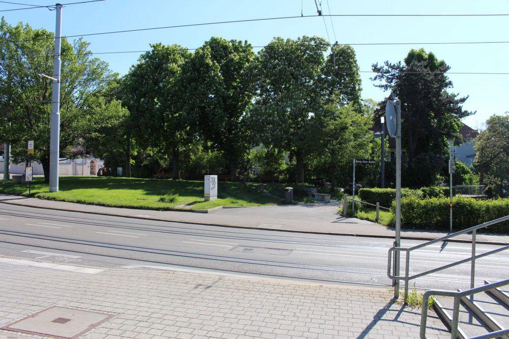 Direkt an der Haltestelle Bubenbad liegt der Aussichtspunkt mit einem schönen Blick auf die innenstadt von Stuttgart