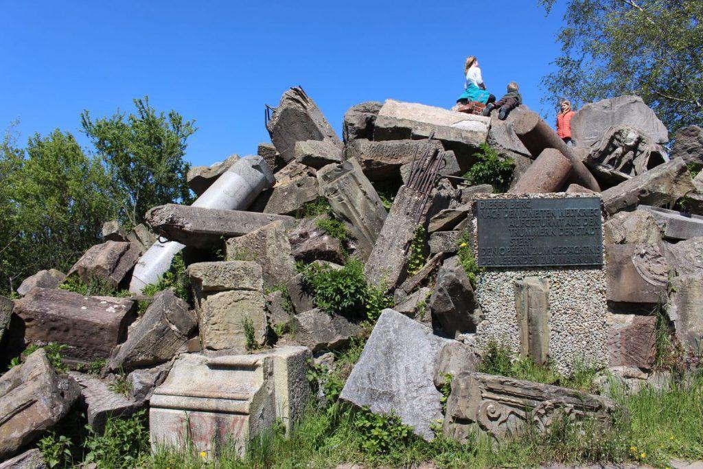 Trümmerhaufen auf dem Birkenkopf
