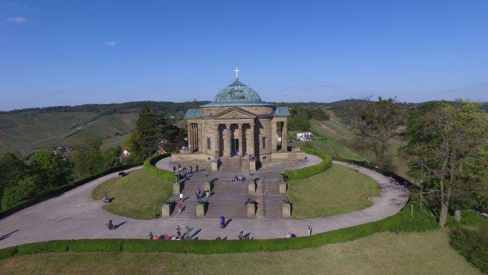 Blick auf das Mausoleum auf dem Rotenberg