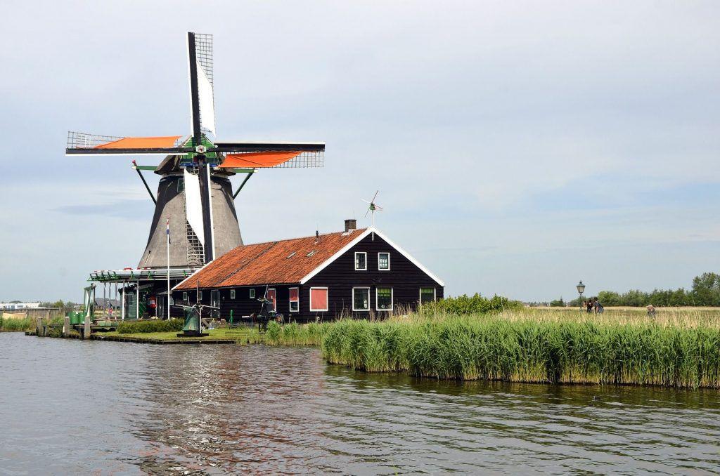 Eine Windmühle in Holland