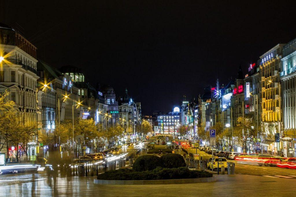Blick vom Wenzelsplatz bei Nacht