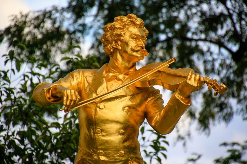 Everything waltz: the golden violinist in Vienna