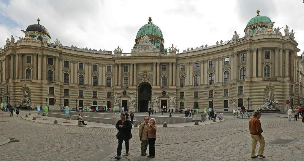 Eine der schönsten Sehenswürdigkeiten: Die Wiener Hofburg