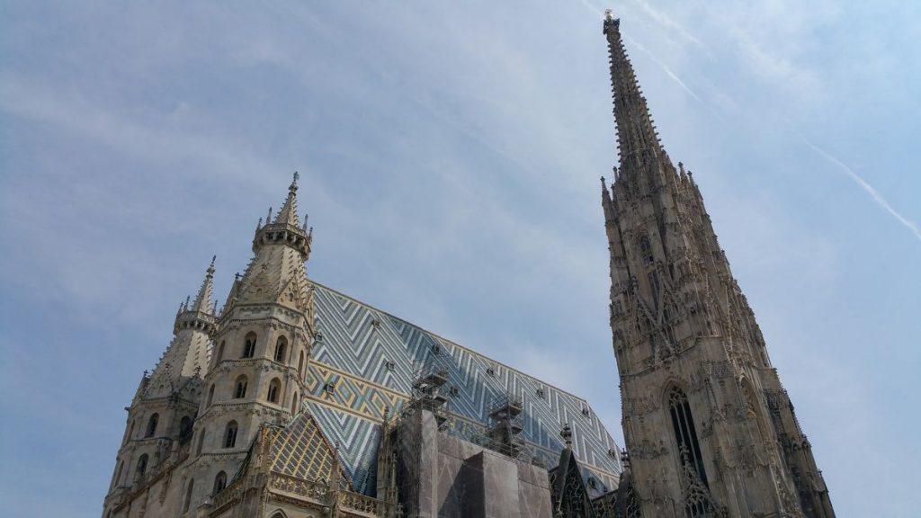Das Dach des Stephansdom in Wien