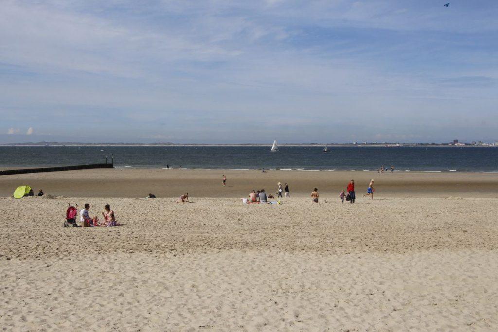 Viel Platz am Strand von Breskens - nicht nur bei Niedrigwasser