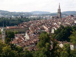 Blick über Bern vom Rosengarten aus